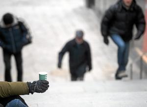 hårt liv. Problemet med tiggare måste lösas anser insändarskribenten. Arkivfoto: Fredrik Sandberg /TT