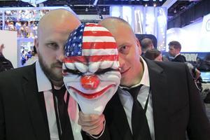 Ulf och Bo Andersson tittar fram bakom masken. På E3 var det premiär för deras nya spel Payday.