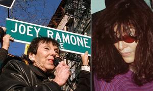 Joey Ramone, sångaren i Ramones och en av Richies närmaste vänner, dog 2001 och fick 2003 en gata uppkallad efter sig i New York. Till vänster i bilden är Joey Ramones mamma, Charlotte Lesher. Bilden av Joey Ramone till höger är från 1996.
