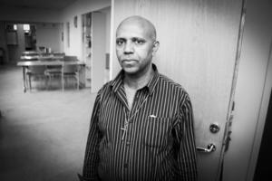 Efraim Ekubalidet från Eritrea levde under ett och ett halvt år i det dolda innan han kunde söka asyl och leva öppet igen.