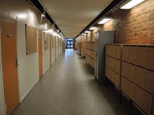 Korridoren i skolan.