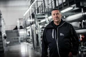 Johnny Ström, driftsansvarig vatten FEV, lyfter att vattnet från Lennheden är fritt från kemikalier.