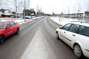Trafiktrycket har ökat på Hagvägen. Frågan är vad den nya utredningen kommer att ge för förslag för att lösa problemet.
