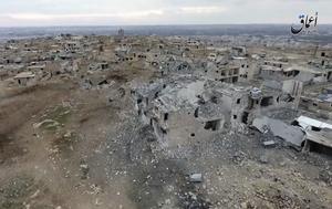 Den här bilden visar ett område i staden al-Bab, i Aleppo-regionen, som Turkiet bombat sönder. Nu har flera soldater dött efter att Ryssland släppt bomber vid staden.