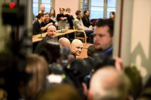 Journalisten Fredrik Önnevall i Malmö tingsrätt. Tre SVT-medarbetare åtalades för människosmuggling. Inför rullande kameror hjälpte de en 15-årig syrisk pojke att ta sig från Grekland till Sverige.