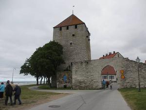 Kruttornet byggt på 1100-talet, en av Visbys äldsta byggnader