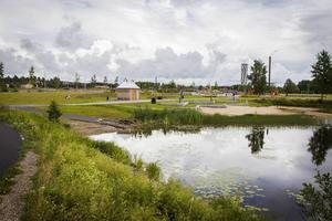Centrumnära, och nära vatten, förutsättningarna är goda för Östernäs, anser Richard Brännström.