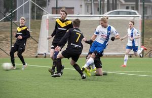 Jonathan Åhlin i förra mötet mellan IFK Timrå och Brunflo FK.