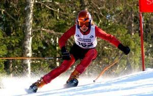 Slalomlöfte. Caroline Eklund, Åkerö, var näst snabbast av alla slagen med endast en hundradels sekund av två år äldre Hanna Lindberg, Åkerö