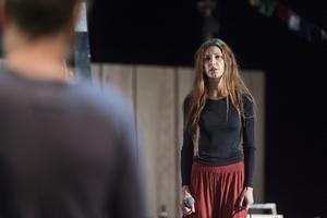 Anna (Nina Zanjani) älskar sin Ivanov men är märkt av en dödlig sjukdom. Hennes man är otrogen.