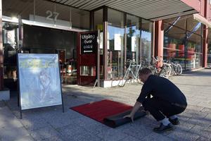Röda mattan hade lagts ut inför galapremiären på Filmstaden i Sundsvall.