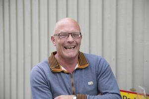 Nicklas Andersson med bolaget Farstukvisten hoppas att Lyviksbergets handelsområde kan utvecklas och är beredd att snabbt starta ett restaurangbygge om en serös intressent hör av sig.