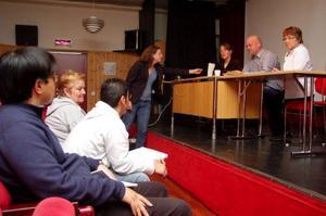 Några i den lilla publiken ställde frågor till panelen - Tatiana Summermatter, Stefan Ericsson och Anette Busk.
