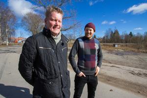 Thomas Hansen och Olle Norqvist tittar på hur planerna kan bli  i praktiken.