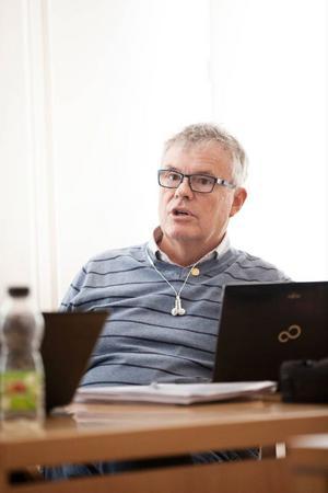 Christer Siwertsson (M) drog på sig irriterade kommentarer när han påstod att han visst hade berättat om sin hemliga lista.