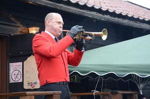Mats Hård spelade