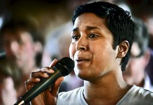 Matilda Mehlis var en av solisterna under gospelkonserten i lördags kväll. Här sjunger hon under repetitionen några timmar innan.