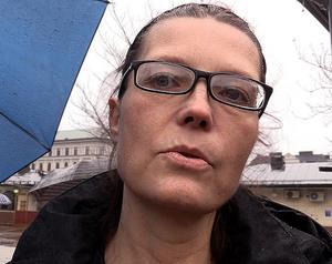 Lisen Holmströms dotter är i dag drogfri, men hennes kusin dog nyligen på grund av droger.