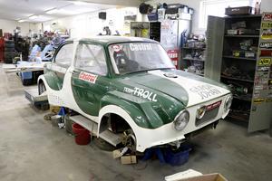Fiaten var ett skogsvrak, men är nu helrenoverad och försedd med en ny stark motor. Tävlingsbanorna väntar.