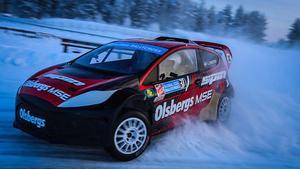 Halkbana. I RallyX on Ice tävlar man med så kallade Lites-bilar från Olsbergs MSE i Nynäshamn.
