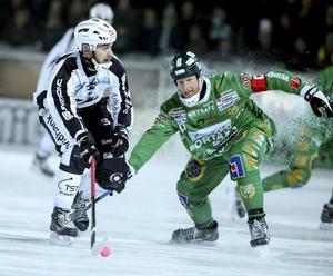 Niklas Gälman gör comeback mot Gripen efter sju veckors skadefrånvaro.