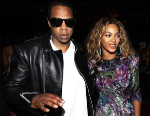 Jay-Z är gift med r'n'b-stjärnan Beyoncé Knowles, men de försöker hålla sitt privatliv utanför pressen. Här på en sällsynt bild ihop.