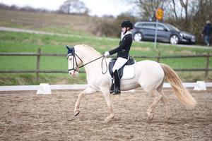 Emma Ek tillsammans med sin häst Tic Tac.