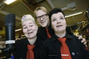 Curt Jonsson här tillsammans med skivans övriga solister Gunilla Nord (t.v.) och Lotta Bäckman.Foto: BENGTERIC GERHARDSSON