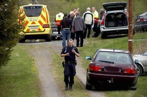 Skälet till att brottsutredningen avslutas är asylhanteringen, förhöjt terrorhot och omorganisationer inom polisen, enligt Veronika Andersson, tillförordnad chef för grövre brott.