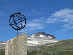 I vackert väder passerade vi Polcirkeln i Norge på vår färd mot Lofoten