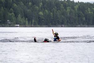 Three corner lake meet i Trehörningsjö: Ride to shoot bjöd på vattenkörning med sina snöskotrarFotograf: Robbin Norgren