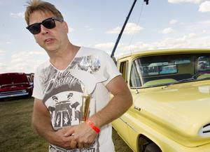 Summer Meets arrangör Klas Brink hade gärna behållit extrasvängen på finbilscruisingens sträcka.