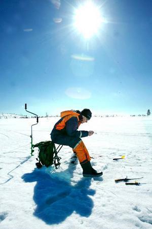 Han drog upp massor med småröding första timmen. Men sedan dalade fiskelyckan för Lars-Erik Bäckman som blev tvåa på Skärsjön.