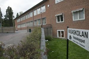 Låt särskolan finnas kvar på Vasaskolan och lös trångboddheten genom att bygga nya Marnässkolan lite större, vädjar FUB inför dagens ödesbeslut.