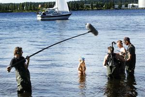 badtajm. Det blev många långa tagningar i vattnet för sjuårige Fabian Fourén.Foto: Sofie Wiklund