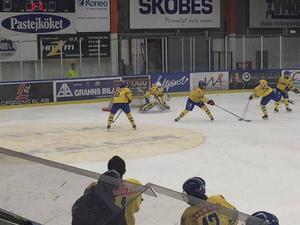 Ludwig Agell i den svenska kassen mot Ryssland i söndags.