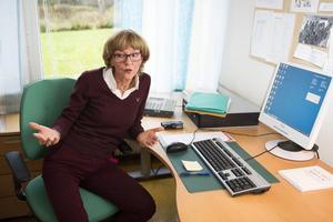 Birgitta Hamberg, verksamhetschef vid folktandvården, har ingen förklaring till varför tandhälsan bland unga är så dålig i länet.