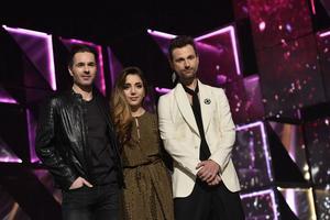 Veckans programledare i Melodifestivalen: Peter Jöback, Gina Dirawi och Ola Salo.