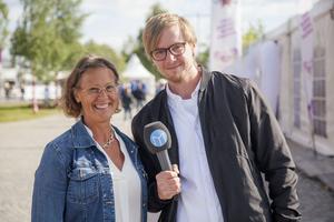 Matinspitatören Helena Appelqvist och ÖP:s reporter Fredrik Eliasson.