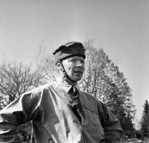 Ryttartävling 1953. Känner du igen mannen på bild?