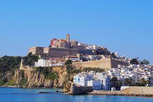 Ibiza - en av världens mest populära öar.
