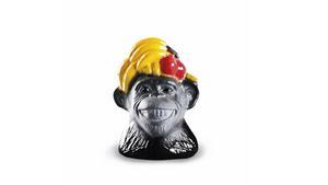 Målerås Glasbruk har precis knutit glasformgivaren Ludvig Löfgren till sin verksamhet. Han har bland annat gjort en serie apor som blir till små individer tack vare olika ansiktsuttryck.