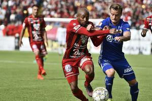 Fouad Bachirou brottas med Eric Larsson. Numera är de lagkamrater i Malmö FF.