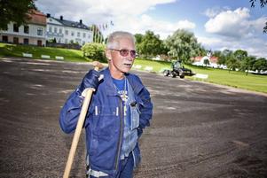 """""""Välkommen till helvetet"""" är den första kommentaren från Tord Granqvist som jobbar i parken i sommar."""
