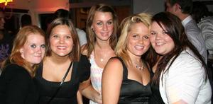 Sjökrogen. Elin, Malin, Emma, Caroline och Natta