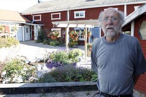 Åke Daniels är en av dem som ökat uthyrningen till turister i sommar. Han är mycket nöjd med samarbetet med Destination Järvsö. – På deras hemsida syns interiörerna också, säger han.