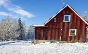 I gården Västi i Högvålen bodde Joe Hills syster Judit Hägglund, gift Halvarsson. Hon var den första systern som flyttade till Hågvålen. Judit arbetade som småskollärarinna i byns skola.