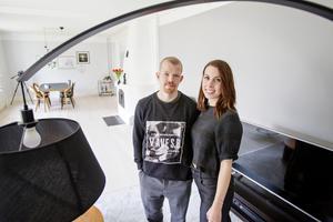 Jonas och Cicci letade lägenhet och hittade sitt drömhus.