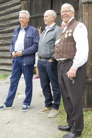 Bröderna Ulf och Tage Persson  i mitten