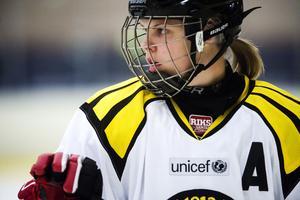 Anna Borgqvist gör sin sjätte säsong i Brynäs och står återigen på rostern när Damkronorna kör trippelmöte mot Finland i semptember.